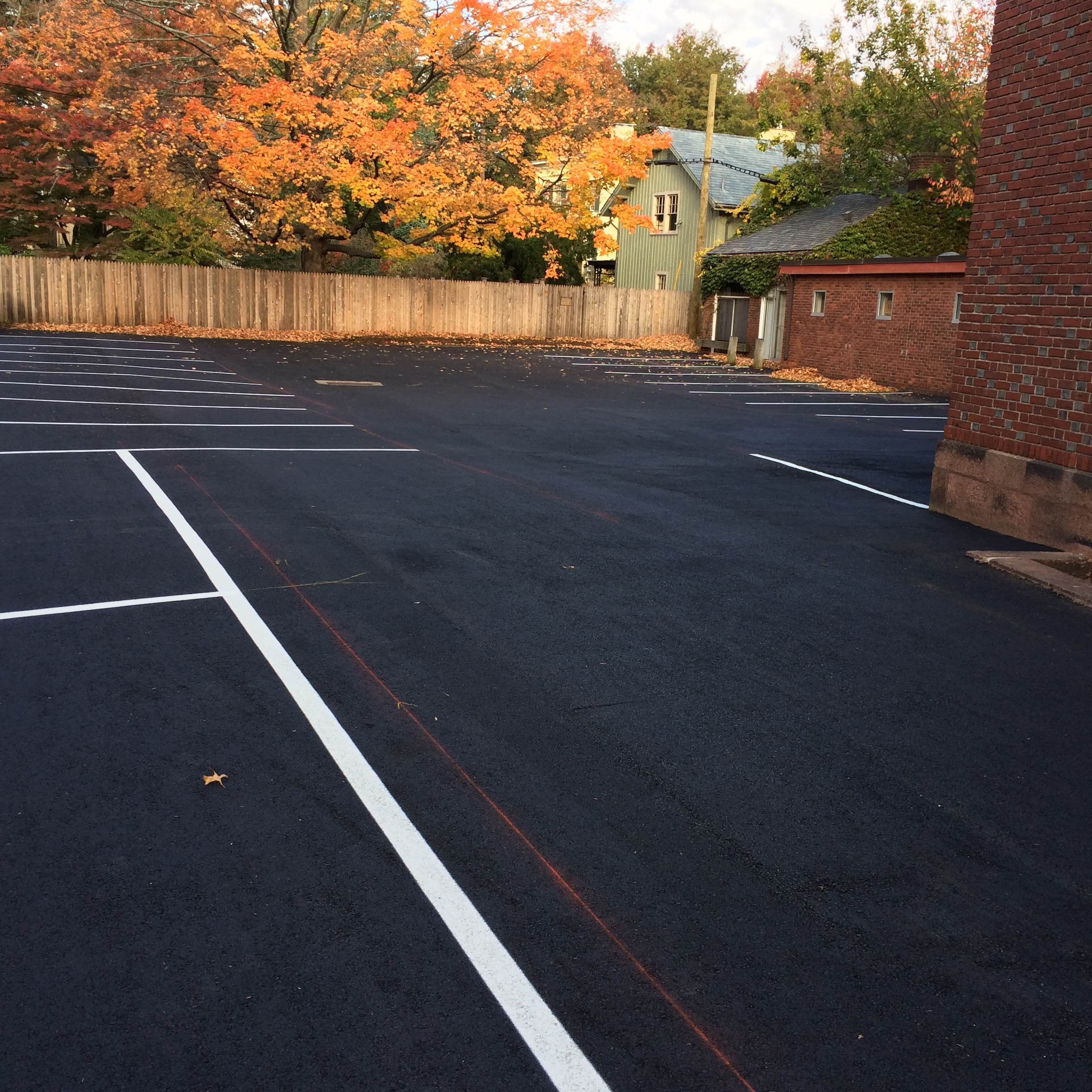 Why contractors are essential for paving your parking lot lior if you have a parking lot that needs paving there are plenty of reasons you might want to do it yourself but there are plenty more reasons why you should solutioingenieria Images